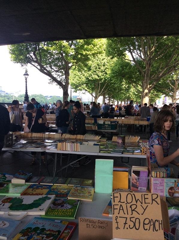 Boeken-kopen-in-Londen-boekenmarkt