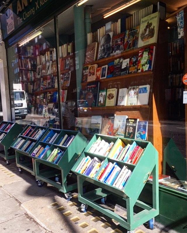 Boeken-kopen-in-Londen-boekenwinkel