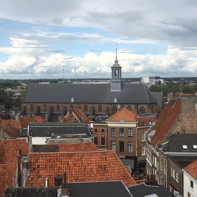 Torens in Zutphen -Wie-durft-Uitzicht-op-Broederenkerk